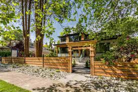 Kelowna Luxury Homes by Luxury Home Marketing Macdonald Realty