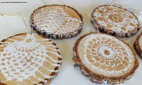hand printed wood slice ornaments using crochet flowers
