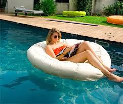 canapé gonflable piscine jeux piscine les fauteuils gonflables