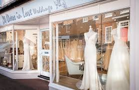 bridal boutiques how to go wedding dress shopping an experts guide to bridal