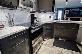 kitchen quartz countertops full height backsplash and quartz countertops luxury granite