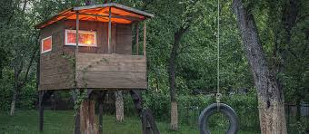 Build Your Own Backyard by How To Build A Treehouse In Your Own Backyard Care Com Community