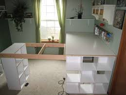 plan de travail bureau diy créer un plan de travail ou un bureau avec des armoires à cases
