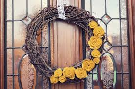 11 diy twig wreaths you should recreate this fall shelterness