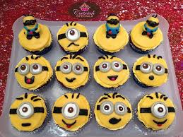 minion cupcakes despicable me minion cupcakes make it bliss