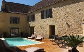 chambres d hotes en dordogne avec piscine location sarlat vacances dans une maison de charme en perigord