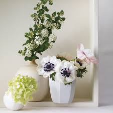 18 Contemporary And Elegant Vase Spring Flower Arrangements Martha Stewart