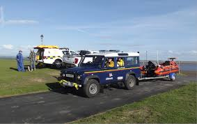 land rover rnli man cut off by the tide rescued by lytham st annes rnli volunteer
