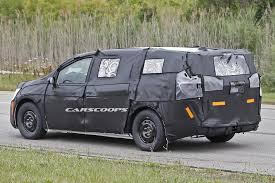2017 chrysler town u0026 country to get foot operated doors vacuum
