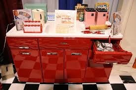 Beauty Queen Metal Kitchen Cabinets Home Design - Metal kitchen cabinets