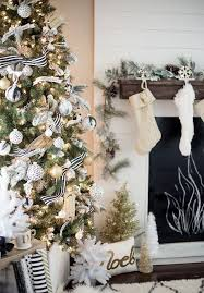 winning decorating ideas for gold and white trees