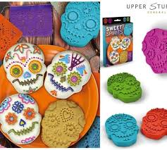 celebrate it cookie cutters 118 best best biscuits images on food