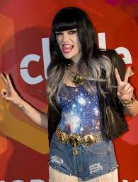 long bob with dipped ends hair jessie j is the latest star to experiment with dip dye colour