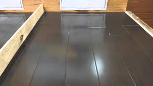 Streak Free Laminate Floors Bona Vs Water U0026 Vinegar Don U0027t Mop Your Hardwood Flooring Youtube