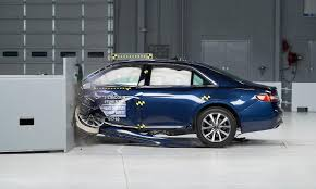 toyota mini car lincoln mercedes toyota large cars receive top iihs safety ratings