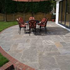 Patio Stone Flooring Ideas by Creative Patio Stone Edging Decor Color Ideas Fancy On Patio Stone