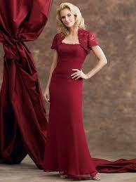 brautkleid figurbetont brautkleid in rot bedeutung der farbe und tipps für mutige bräute