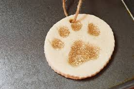 white and gold paw print ornament craft dogvills