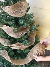 How To Decorate Garland With Ribbon 30 Beautiful Christmas Tree Garland Decoration Ideas Christmas