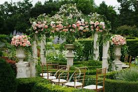 wedding backdrop toronto toronto garden wedding greener flowers wedding decor toronto