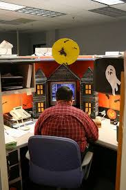 Office Decor Ideas Best 25 Halloween Office Decorations Ideas On Pinterest Diy