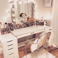 How To Make A Makeup Vanity Mirror Best 25 White Makeup Vanity Ideas On Pinterest Diy Makeup