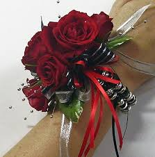 prom wrist corsage ideas dedicated to all things floral for prom tips on ordering read