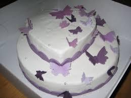 hochzeitstorte leipzig hochzeitstorte mit lila schmetterlingen