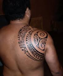 shoulder blade polynesian tattoo design by patu mamatui tattoomagz
