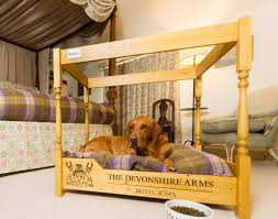 the burgess doggy four poster bed at the devonshire arms the