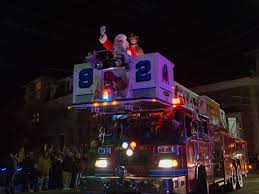 savannah boat parade of lights 2017 2017 lewes christmas parade lewes chamber of commerce