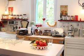 objets deco cuisine objet decoration maison beautiful each edition of the maison u