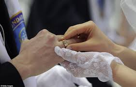korean wedding rings mass wedding in south korea astonishing 3 500 couples from 200