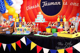 baby looney tunes baby shower decorations kara s party ideas looney tunes tazmanian themed birthday party