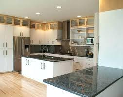 cuisine grise plan de travail noir cuisine avec plan de travail noir plan de travaille cuisine