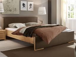 Schlafzimmer Braun Gestalten Moderne Häuser Mit Gemütlicher Innenarchitektur Geräumiges