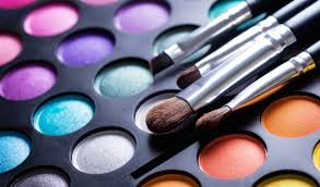 the simple tool which enabled this woman to go from makeup artist to mogul