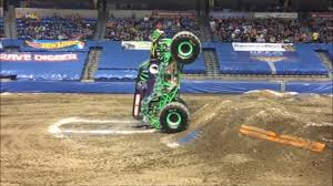 monster truck videos please grave digger monster truck 2017 monster jam triple threat