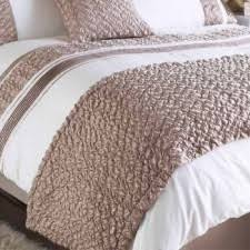 bed runners innovabed contract bedding bed runners spreads