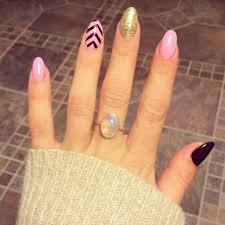 acrylic round nails how you can do it at home pictures designs