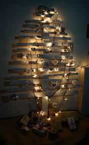 idee village de noel décoration scandinave et sapin de noël en bois en 60 idées