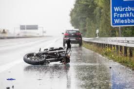 Jugendfeuerwehr Wiesbaden112 De Motorradunfall Auf Der A3 Bei Limburg Nach Aquaplaning