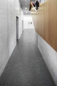 bodenbelag treppe bodenbelag treppen kusser granit
