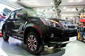 isuzu dmax lifted off roading with the isuzu d max v cross 4x4 team bhp