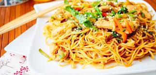 comment cuisiner les nouilles chinoises nouilles chinoises au poulet aux légumes aux délices du palais