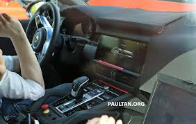 porsche interior 2016 spied 2018 porsche cayenne to get big touch screen