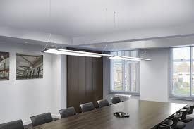 le de bureau led design l éclairage de bureau devient architectural avec le plafonnier led