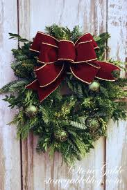 the easiest way to make a live wreath stonegable