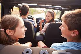 how to avoid distracted driving during arizona family vacation