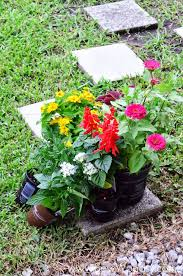 how to create outdoor potted floral arrangements sew woodsy
